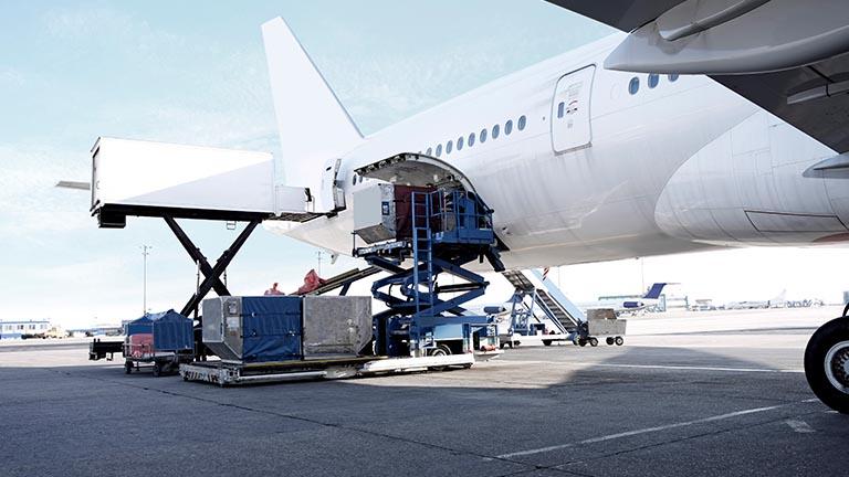 ارسال بار به افغانستان به صورت هوایی